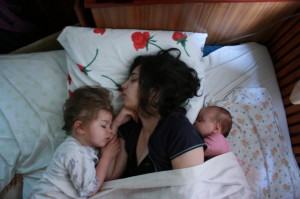 Маша с дочками