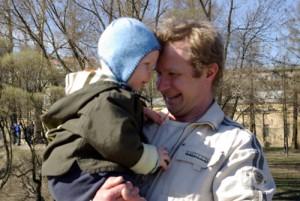 Сергей, муж Наташи, с сыном Арсением