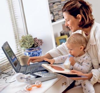 Мама - за компьютером, ребенок - рядом?