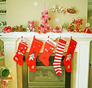 Новогодние носки с подарками