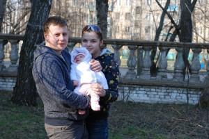 Наше первое семейное фото с дочкой. Даше 3 месяца