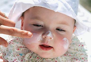 Натуральные солнцезащитные средства для детей