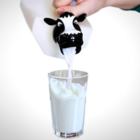 Коровье молоко может быть вредным для маленьких детей