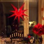 Звезда и свечи на окнах Швеция