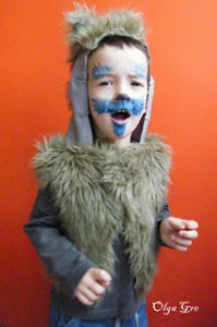 Андрюша в костюме волка